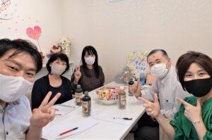 毎週火曜日はスタッフミーティング。今回は久々にハピネス佐賀店で開催しました(^O^)/